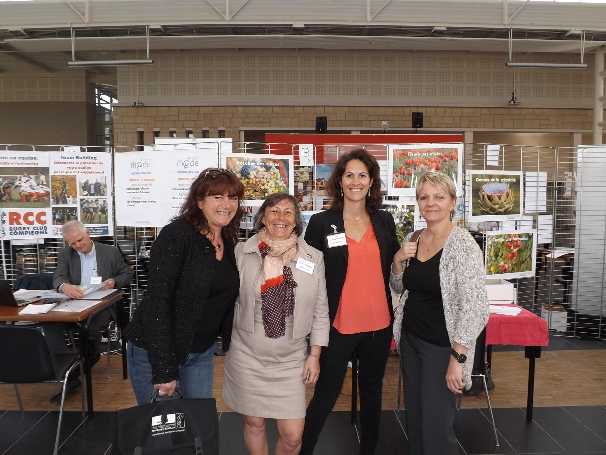 de gauche à droite - Magalie Fabro (Mission Locale de Creil), Aliette Trocheris (Coach and Co), Sandrine Manzelle (Coach and Co), et Jackie Dupont (INFA)